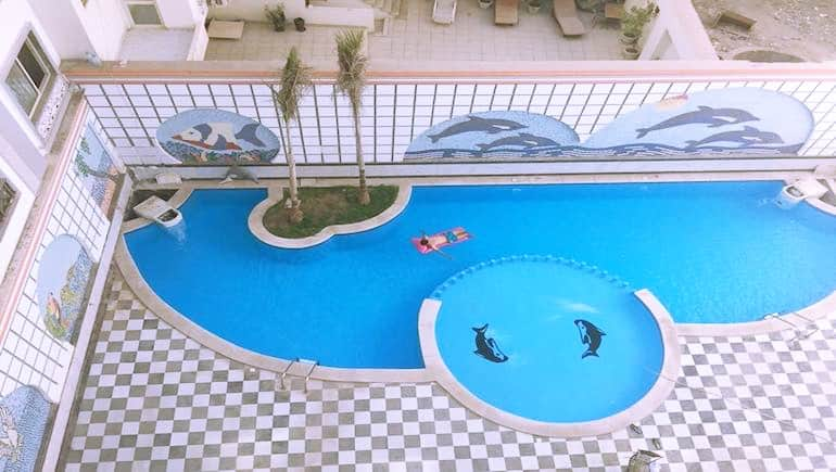Swimming Pool at Sheraton Plaza in Hurghada - Holiday Rentals - Rental Apartments - www.apartmentsinhurghada.com