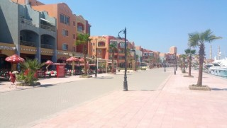 Holiday Rentals Close To The New Marina in Hurghada - Free WIFI - Book Online at www.apartmentsinhurghada.com