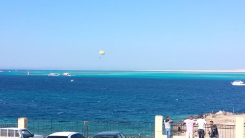 www.apartmentsinhurghada.com - Kitesurfing at Our Tiba View Hurghada Holiday Rental