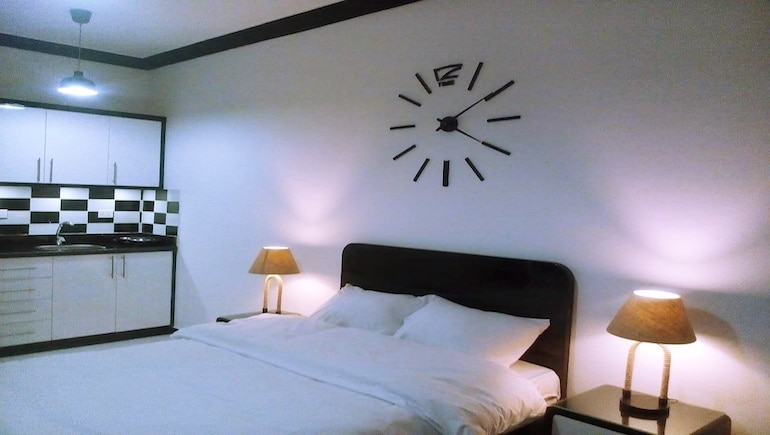 Clocking Up Our Holiday Rentals in Hurghada - Live Close to The New Marina - Book Online - www.apartmentsinhurghada.com